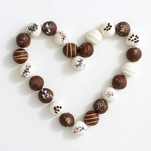 cake_truffles_arranged_in_a_heart_pattern_58.jpg