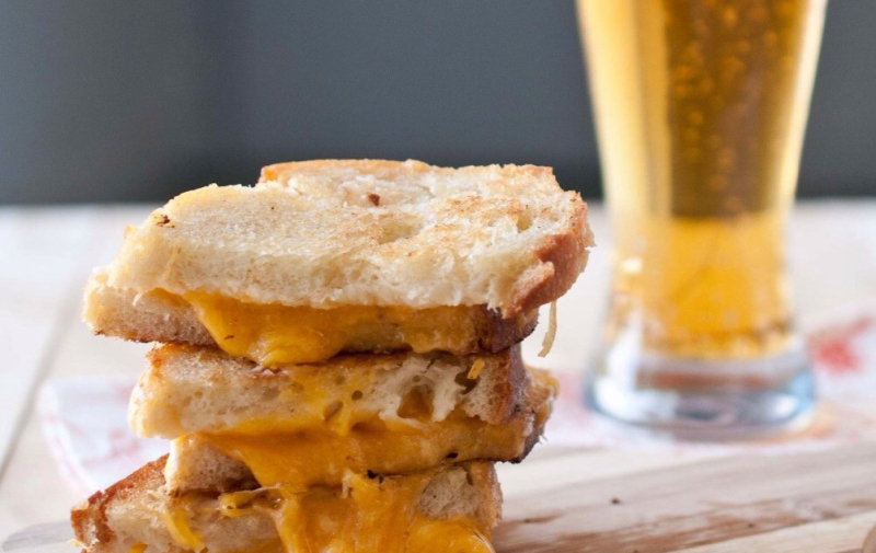 Don't Miss World Cafe Live's Grilled Cheese and Craft Beer Tastings on Feb. 11!