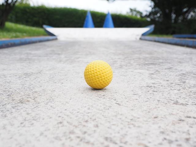 ball_1271982_640_640.jpg
