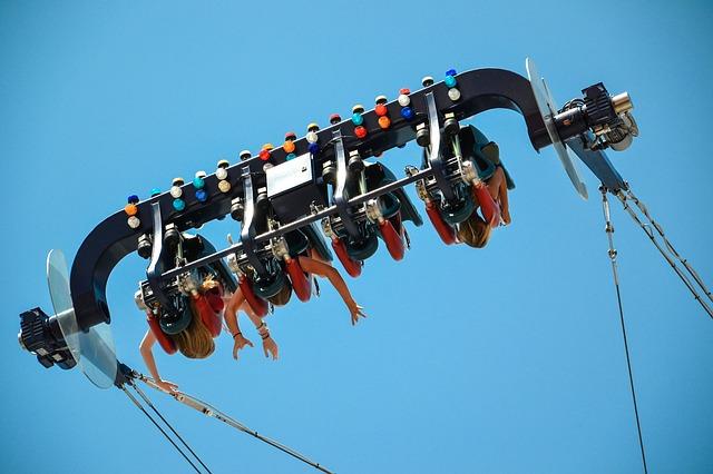 amusement_park_1906518_640_640.jpg